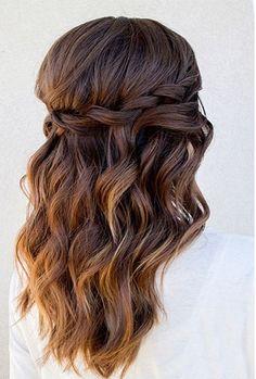 Schöne Frisuren für Quinceanera für stilvolle Mädchen zu tragen