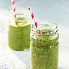 Vihersmoothie on terveellinen välipala. Kokeile eri versioita lisäämällä smoothien sekaan erilaisia marjoja ja hedelmiä.