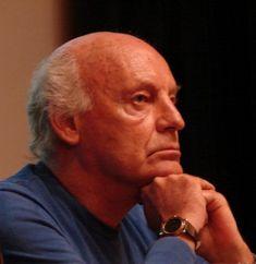 Para mayores de 40, un poco de humor con Eduardo Galeano http://www.yoespiritual.com/reflexiones-sobre-la-vida/para-mayores-de-40-un-poco-de-humor-con-eduardo-galeano.html