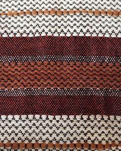 Nouvelle collection Post Diem Casa bientôt disponible !!! #rug #carpet #interiordesign #interior #decor #handmade #home #homedecor #rugs #kilim #wool #local #handweaving #handweaved #weaving #tissage #laine #Corsica #madeinCorsica #Corse #artisanat #madeinFrance