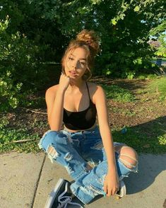 Fashion Tips For Girls .Fashion Tips For Girls Cute Instagram Pictures, Cute Poses For Pictures, Instagram Pose, Instagram Baddie, Instagram Summer, Insta Pictures, Instagram Models, Best Photo Poses, Girl Photo Poses