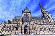 Elena Duvernay - New Cathedral of the Immaculate Conception, Neuer Dom, Linz, Austria Immaculate Conception, Austria Travel, Famous Places, Notre Dame, Barcelona Cathedral, Travel Photos, Fine Art America, Building, Artwork