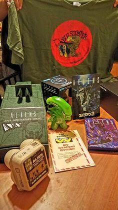 e9e4628de2b Sasaki Time Unboxing Video of the Aliens 30th Anniversary Loot Crate