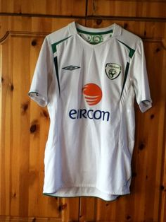 Republic of Ireland National Football Soccer Away Jersey 2005-2006. Small  Adult in size 24c6db7fa