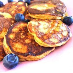 3 minutes, 3 ingredients #glutenfree #nowheat #pancakes #kids #kidsloveit #paleokids #healthykids #vegetarian #paleo #natural #mom #paleomom #paleofood #paleodescomplicado #paleoxxi #saudavel #oatscanbegood #oatbio