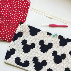 Mickey Zipper Pouch – STUFF STEPH MAKES Crochet Pouch, Crochet Purses, Crochet Stitches, Crochet Patterns, Crochet Hats, Mickey Mouse, Minnie Bow, Crochet Disney, Single Crochet Stitch