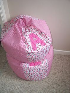 Handmade bean bag chair- looks easy, we'll see!