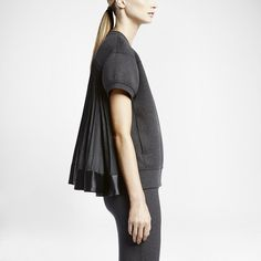 NikeLab x sacai Tech Fleece Short-Sleeve Crew Women's Sweatshirt. Nike Store UK