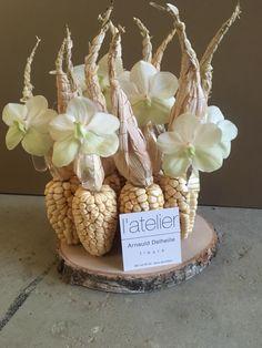 Arnauld Delheille Modern Flower Arrangements, Artificial Flower Arrangements, Artificial Flowers, Edible Bouquets, Floral Bouquets, Fruit Centerpieces, Chocolate Bouquet, Arte Floral, Ikebana