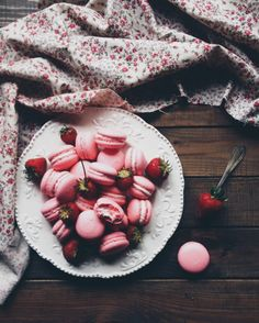 Strawberry macarons for Valentine's Day | nastia_handzha | VSCO