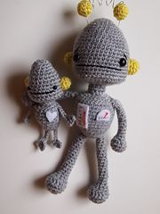 This pattern set includes patterns and step-by-step instructions for my Grown-up and Baby Robots! These crochet patterns are written in English with U.S. crochet terms. The set is six (6) pages long and written in easy to follow directions with quality close-up photos for guidance.