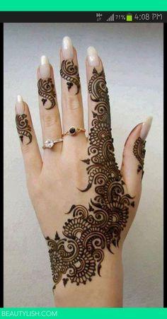 lovely mehendi design for the hand, gorgeous smart henna design