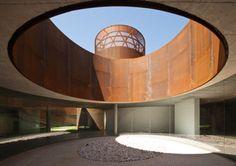 Imponentes fachadas de Acero: Museo Interactivo de la Historia de Lugo / Nieto Sobejano.