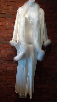 Lore  2 PC White 100% Silk Marabou Trimmed Peignoir Set Size M New w Tags 5fccd2f7a