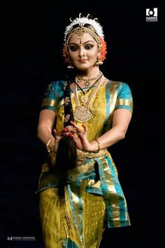 Manju-Warrier-dance-photos-(1)