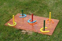 """Le traditionnel """" Lancer du fer à cheval"""" A louer chez Aspérule Groupe - visitez notre site web : www.asperule.com Site Web, Location, Yard Ideas, Birthday Candles, Triangle, Canada, Wood Games, Garden Landscaping, Group"""