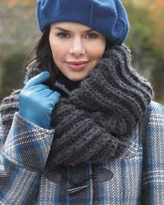 This cozy and luxurious cowl is knit in Bernat Roving and keeps you warm and stylish.