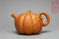 Pumpkin Yixing teapot (with pumpkin spider?)