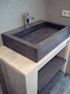Solidus badmeubel beton. Steigerhout vervangen voor eikenhout of vintage meubel, koperen kraan toevoegen.: