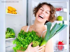 Women Laughing Alone With Salad Beauty Detox, Funny Diet Quotes, Women Laughing, Diabetes Treatment Guidelines, Brittle Hair, Dull Skin, Stay Young, Diet Breakfast, Easy Healthy Dinners