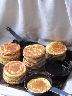 La cuisine d'ici et d'ISCA: Petites crêpes russes : les blintchiki - - Best Chicken Recipes, Sweet Recipes, Crepe Russe, Buckwheat Crepes, Crepes And Waffles, Beignets, Crepe Recipes, Bread And Pastries, Russian Recipes