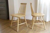 Paire de chaises à barreaux d'inspiration Tapiovaraa