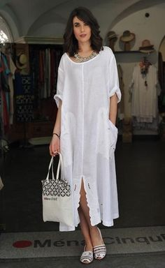 Fashion women Baggy Dresses To Add To Your Wardrobe Baggy Dresses, Linen Dresses, Casual Dresses, Casual Outfits, Dresses With Sleeves, Smart Casual Outfit, Casual Clothes, Boho Fashion, Fashion Dresses