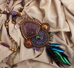 Кулон Ночь на незнакомой планете (лепидолит, крылья златки, аметист). Handmade.