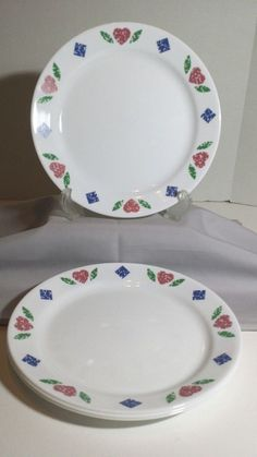 Corelle Quilt 4 Dinner Plates 10.25 inch Red Hearts Blue Diamonds Green Leaves #Corelle