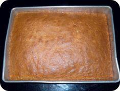 Cinnamon and Raisin Cake Bars Mandarin Orange Pineapple Cake Recipe, Cake Recipes, Dessert Recipes, Desserts, Yummy Recipes, Dairy Recipes, Frosting Recipes, Tomato Soup Cake, Raisin Cake