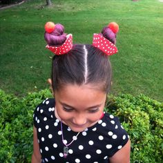 20 Crazy Hair Day Ideas for Girls in 2020 - The Trend Spotter Our collection of crazy hair day ideas includes everything from the cool to the creepy, as well as the tried-and-true styles that kids love. Crazy Hair Day Girls, Crazy Hair For Kids, Crazy Hair Day At School, Days For Girls, Crazy Hair Days, Coloured Hair Spray, Wacky Hair Days, Surfer Hair, Cute Little Girl Hairstyles