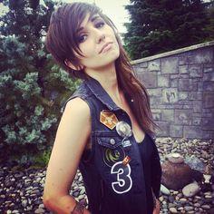 "Canadian Singer ""Lights"" Loves The Final Fantasy XIII Saga – Gets Lightning's Haircut | SQUARE PORTAL"