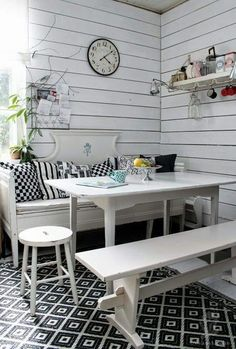 Dining Room Inspiration, Interior Inspiration, Banks House, Salvaged Furniture, Swedish Decor, Dining Nook, Cozy Cottage, Scandinavian Interior, Country Kitchen