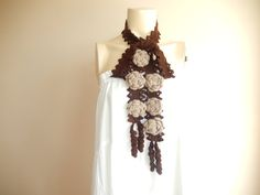 Crochet marron Lariat Scarf - foulard-Skinny écharpe avec Roses Taupe