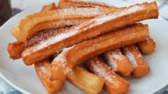 Make your own Homemade Churros Recipe without much effort. This is a recipe to top all other churro sellers! This at home churro recipe is ridiculously easy and quick. Beignets, Homemade Churros Recipe, Food Trailer, Christmas Dishes, Bacon, Cooking Recipes, Yummy Food, Favorite Recipes, Snacks