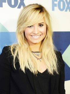 i want her hair, its perfect