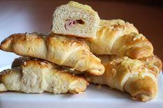 Horn med ost og skinke Norwegian Food, My Cookbook, Cheat Meal, What To Cook, No Bake Desserts, Horns, Sushi, Bakery, Brunch