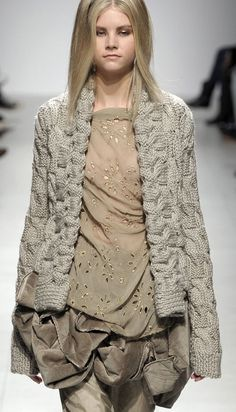 ~ Living a Beautiful Life ~ runway knitwear ♥✤