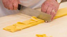 Pasta fresca, preparazione garganelli romagnoli, come fare i garganelli, ricetta