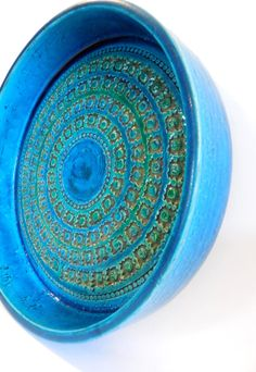 Aldo Londi for Bitossi Rimini Blue console bowl c. 1960s MidCenturyFLA, https://www.etsy.com/listing/165395617/aldo-londi-for-bitossi-rimini-blue