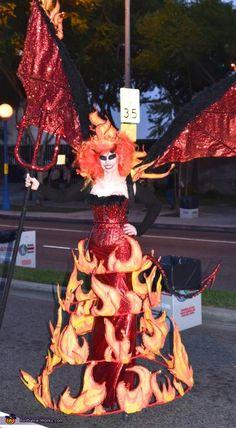 Devil Halloween Costumes, Devil Costume, Up Costumes, Halloween Costume Contest, Halloween Make Up, Costumes For Women, Cosplay Costumes, Costume Ideas, Halloween Ideas