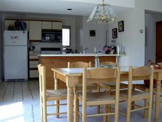 Kitchen Tables And Chairs: Traditional Kitchen Table Sets ~ Decoration Inspiration