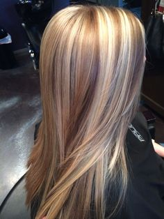 Here's Every Last Bit of Balayage Blonde Hair Color Inspiration You Need. balayage is a freehand painting technique, usually focusing on the top layer of hair, resulting in a more natural and dimensional approach to highlighting. Hair Color And Cut, Ombre Hair Color, Cool Hair Color, Brown Hair Colors, Stil Inspiration, Balayage Blond, Honey Balayage, Blonde Ombre, Brown Blonde Hair