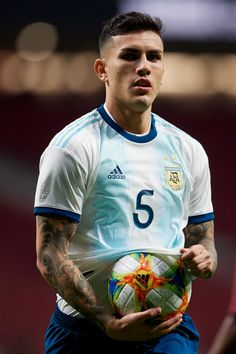 Leandro Paredes (PSG) of Argentina in action during the international friendly match between Argentina and Venezuela at Wanda Metropolitano Stadium in Madrid, Spain on March 22 (Photo by Jose Breton/NurPhoto via Getty Images) Soccer Guys, Football Boys, Psg, Argentina Wallpaper, Argentina Football, Cristiano Ronaldo Cr7, Best Football Players, Arsenal Fc, Fc Barcelona