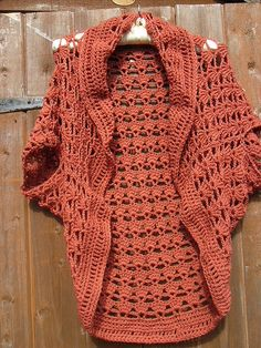 Free Crochet Pattern For Bolero : Crochet Cocoon Shrug Pattern - Lots Of Ideas The WHOot Poncho Crochet, Pull Crochet, Crochet Cocoon, Mode Crochet, Crochet Shawls And Wraps, Crochet Jacket, Crochet Scarves, Crochet Clothes, Crochet Shrugs