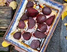 Beetroot is one of the healthiest vegetables. This roasted balsamic beetroot recipe is not only delicious but can be served as a side dish or as a Veggie Recipes, Low Carb Recipes, Whole Food Recipes, Cooking Recipes, Veggie Food, Healthy Recipes, Beetroot Recipes, Good Food, Yummy Food