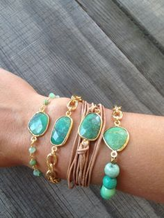 Bezel Set Chrysoprase Stone Bracelet with Gold Chain Beautiful! Looking for a spot to organize your jewelry pieces together? Check out these jewelry organizers: www.etsy,com/shop/shirtuki Boho Jewelry, Jewelry Crafts, Beaded Jewelry, Jewelery, Jewelry Accessories, Handmade Jewelry, Fashion Jewelry, Fashion Bags, Fashion Outfits