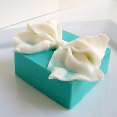 great idea for a favor at your Tiffany's themed wedding. its homemade soap, just take some tulle or netting wrap around and gather at the top with a bow. also perfect for a Tiffany's themed bridal shower. Handmade Ornaments, Handmade Soaps, Handmade Christmas, Handmade House, Diy Gift Wrapping Paper, Savon Soap, Decorative Soaps, Soap Packaging, Cold Process Soap