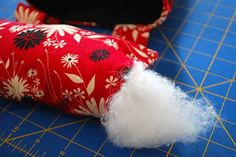 How to make a DIY pincushion Thread Catcher free sewing pattern