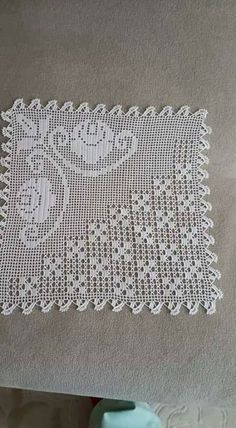 Grape filet work with diagramThis Pin was discovered by SemI like the diamond pattern, not the floral! Love Crochet, Irish Crochet, Crochet Motif, Crochet Designs, Crochet Doilies, Crochet Flowers, Crochet Lace, Crochet Patterns, Crochet Solo